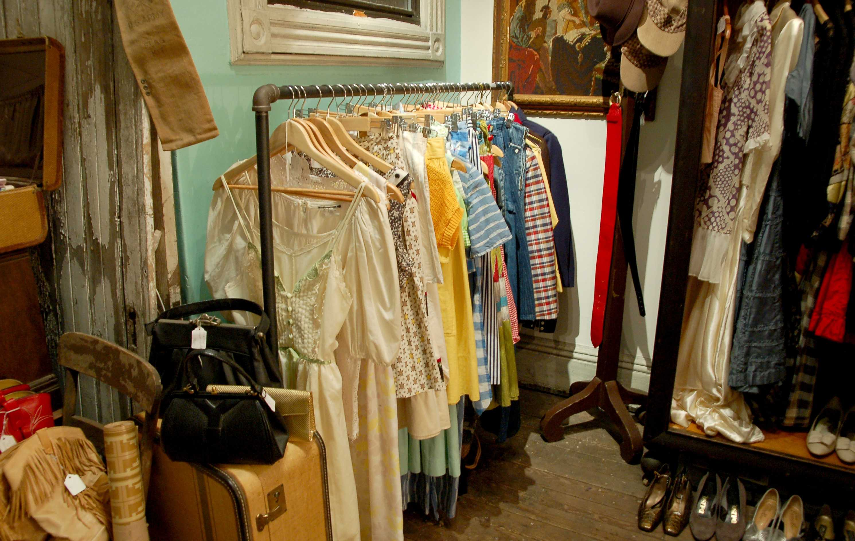 the pioneer thrift stores benefit during recession