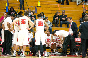 Men's basketball loses by 16 points to the Tritons