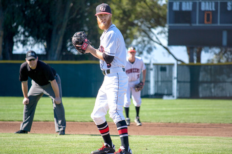 Pioneers split weekend double-header behind solid pitching