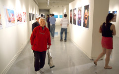 Campus photography exhibition depicts Chinese and American culture