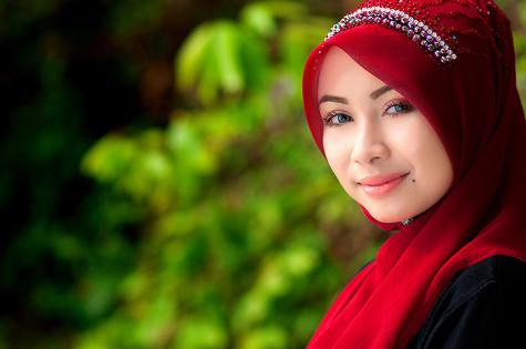 Muslim headscarves add modesty to fashion