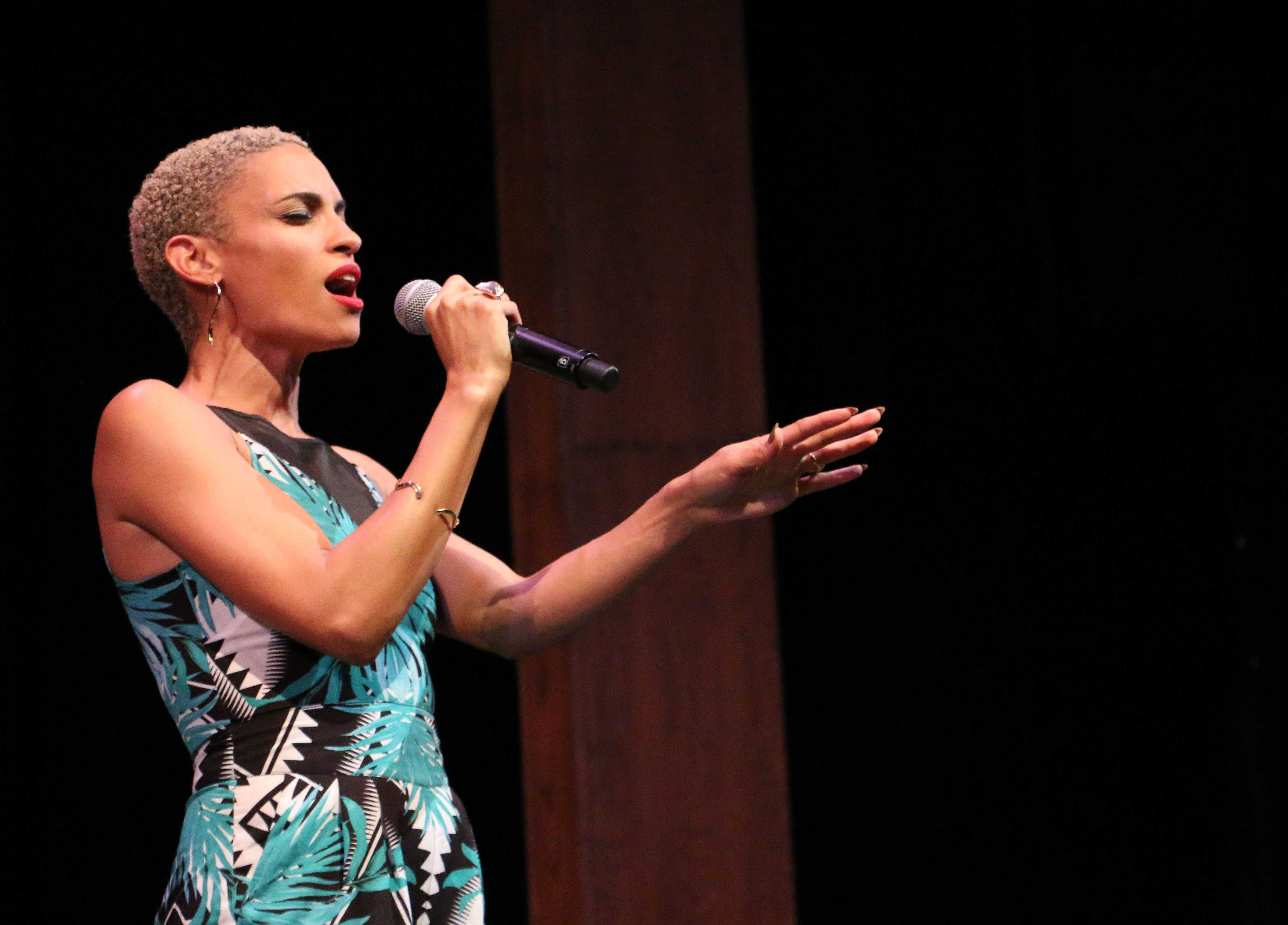 Bay Area R &B singer, Goapele, performs at Showtime at the Apollo Tuesday night.