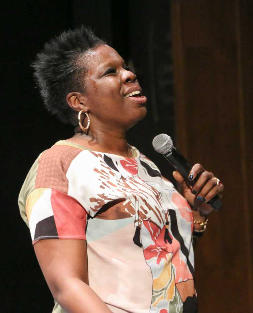 Leslie+Jones+performs+at+the+Cal+State+East+Bay+comedy+show+at+the+University+Theatre+on+Tuesday.