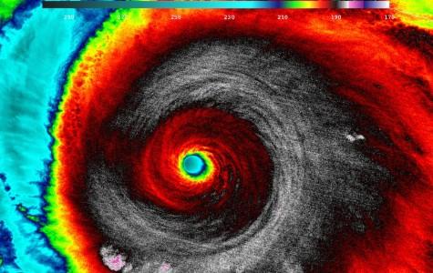Huracan Patricia azota la costa de Mexico