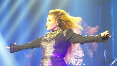 "Janet Jackson pregnant at 49: ""Damn Baby!"""