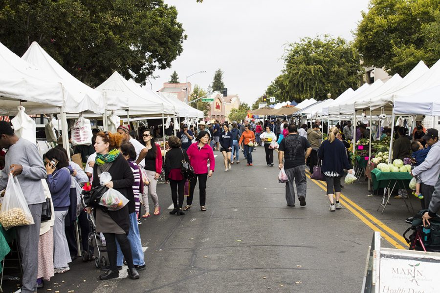 Farmers market maintains presence in Hayward