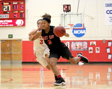Women win, advance in conference tournament