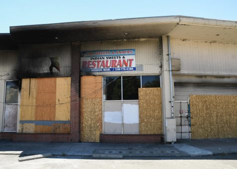 Hayward strip mall destroyed by fire, vandals