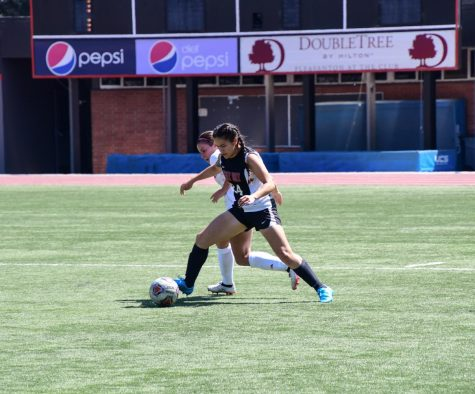 Women's soccer loses third straight game