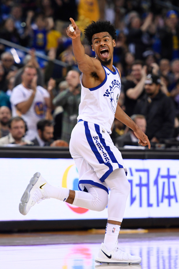 Golden State Warriors' Quinn Cook (4) reacts after scoring a three-point basket against the Sacramento Kings during the second quarter of their NBA game at the Oracle Arena in Oakland, Calif., on Friday, March 16, 2018. (Jose Carlos Fajardo/Bay Area News Group)