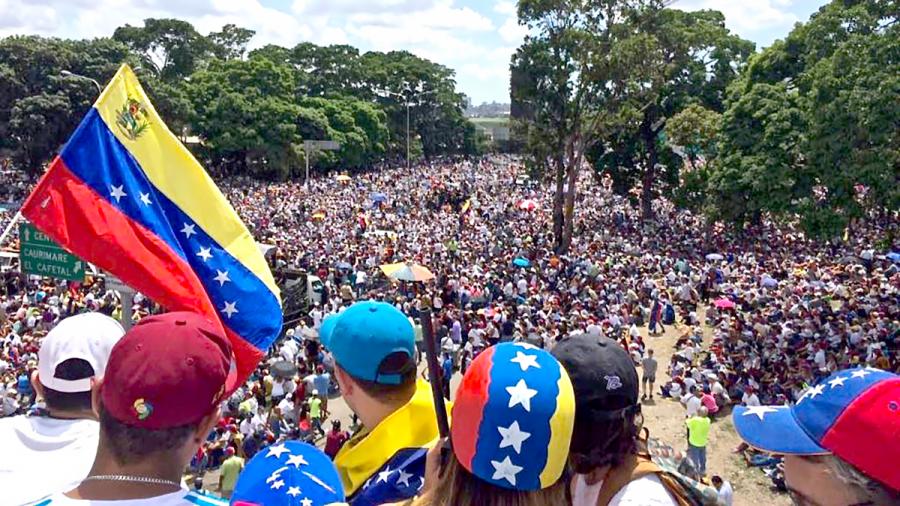 Los+Venezolanos+se+enfrentan+a+una+crisis+en+curso