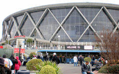 Oracle Arena hosts last regular season game