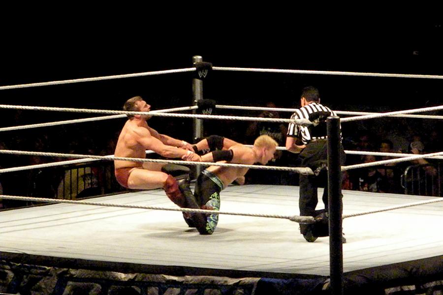 WWE en Situación de Pérdida Durante la Pandemia de COVID-19