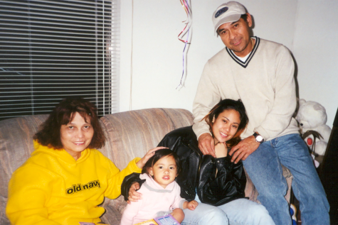 Manuel Reyes Boquiren and family