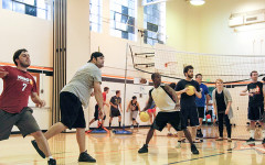 Bay Area residents relieve stress through dodge ball