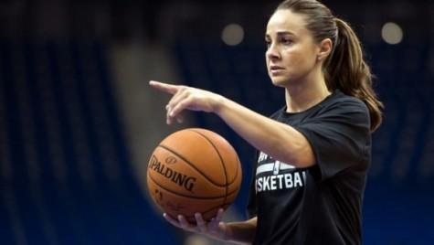 Pro sports should hire more women