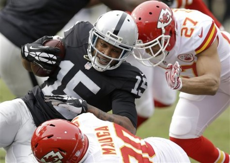 Chiefs spear Raiders in Oakland