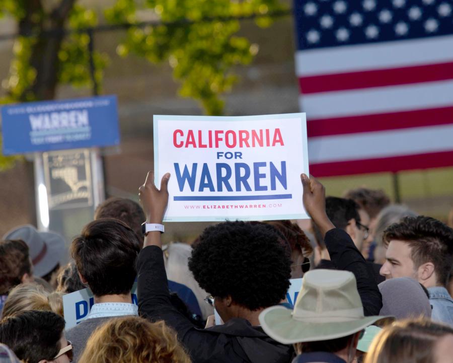 El+senador+Warren+atrae+a+miles+a+Oakland