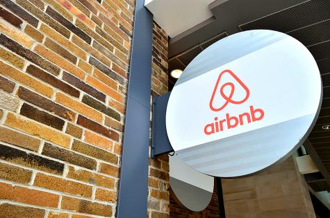Grandes tiroteos provocan un cambio en la política de Airbnb