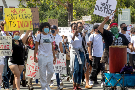 About 3,000 people came together at the Santa Barbara County Courthouse on Sunday, and peacefully marched down State Street to the Santa Barbara Police Department to show support of the Black Lives and in protest of George Floyd's death, who was killed in the custody of the Minneapolis police after kneeling on his neck for an estimated 8 minutes.